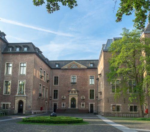 Schloss_Neersen_Vorderseite